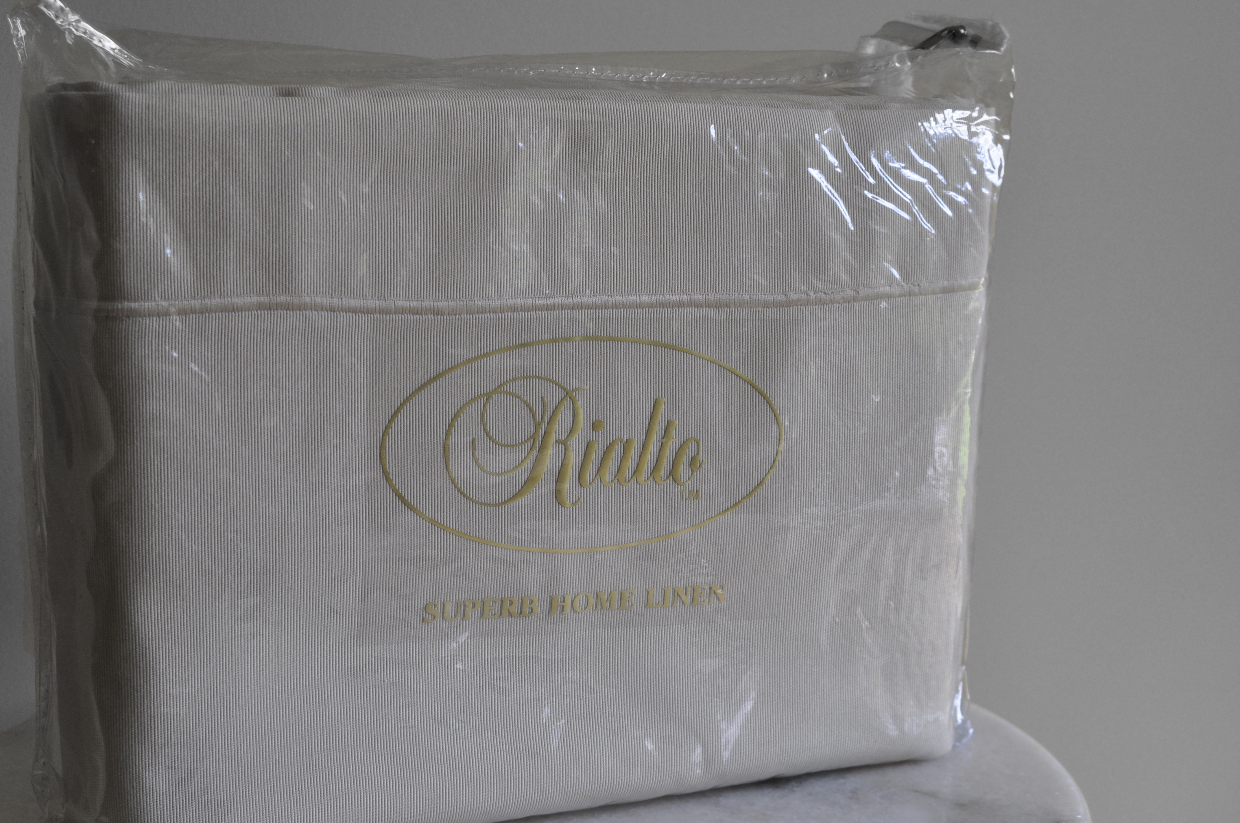 Rayee Gold Quilt Cover