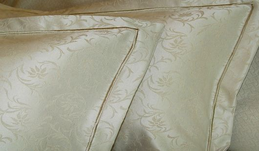 Tailored quilt cover